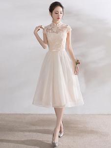 Платья для выпускного вечера из слоновой кости Короткие мантия с манжетами из кружевной аппликации с капюшоном
