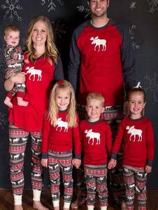 مطابقة الأسرة عيد الميلاد منامة السراويل الحمراء مع الأعلى للنساء الرنة المطبوعة منامة الصباح