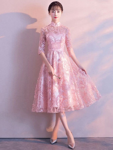 Платье выпускного вечера из кружева с мягким розовым коротким выпускным платьем