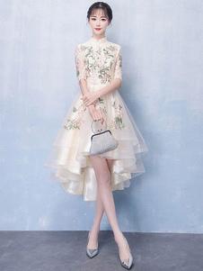 Платье коктейльное из шампанского с длинным рукавом