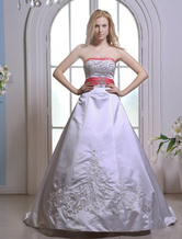 Court Train White Bride's Wedding Dress with Strapless A-line Beading