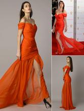 Alex Jones - BAFTA - Rotes, schulterfreies, gerafftes, geteiltes Chiffon-Meerjungfrauenkleid