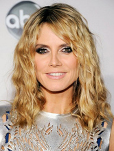 AF-S2-667381 Shoulder Length Wigs Blonde Curly Side Swept Bangs Tousled Synthetic Wigs