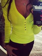 T-shirt manches longues femme boutons col en V forme jaune