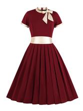 Robe vintage des années 1950 embellie collier plis robe trapèze manches courtes plissée