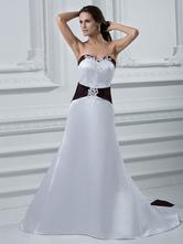 Abito da sposa sala ricevimento bianco chic & moderno in raso fiore con scollo a cuore zip