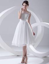 Günstiges Brautkleid aus Chiffon mit Bateau-Kragen in Weiß