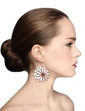 Pierced Dangle Earrings Flower Drop Elegant White Earrings