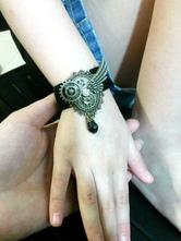 Gothic Lolita Armband in Bronzen Accessoires mit Metallic-Deko Tea party und Farbblock im Steampunk-Style und Armreif