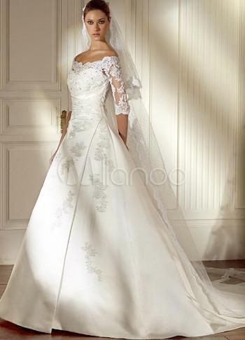 Robe de mariee blanche en satin