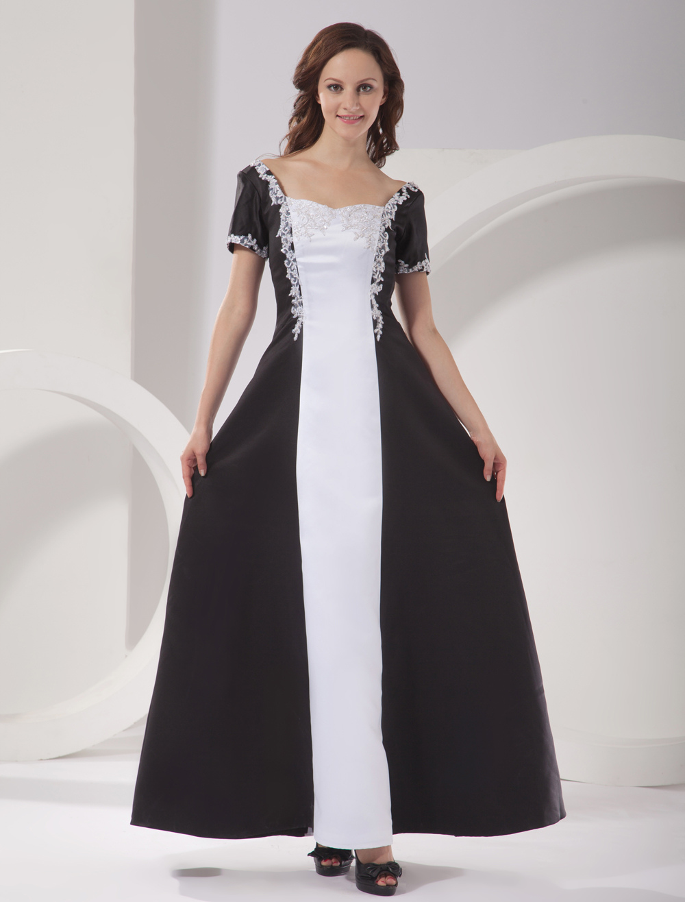 Short Sleeves Embroidery Satin Mother Of Bride And Groom Dress