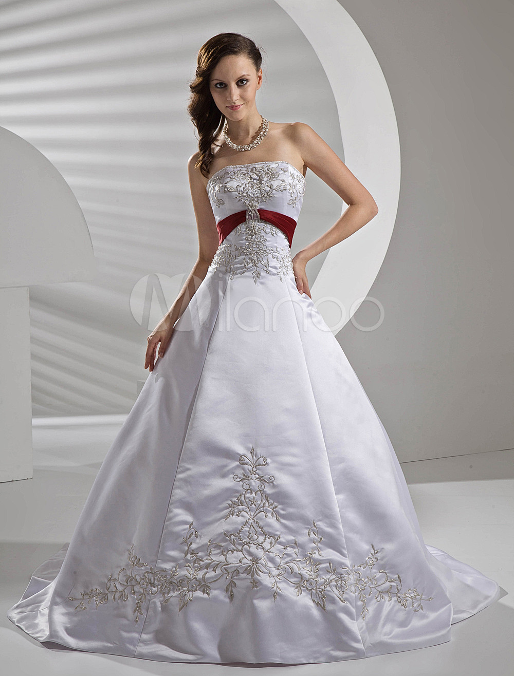 White Wedding Gown Strapless Sash Bridal Dress Embroidered Beading Satin Wedding Dress With Train