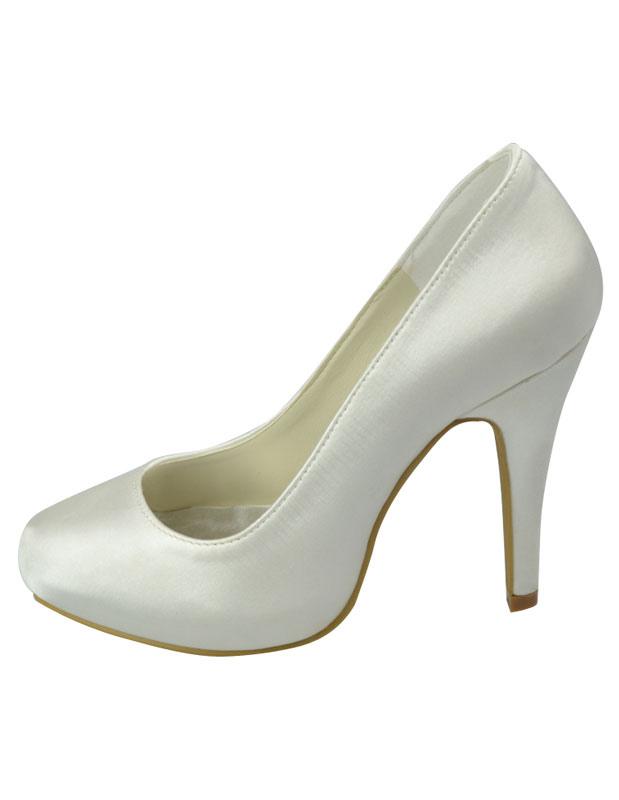 Elegant Platform Round Toe Satin Bridal Shoes
