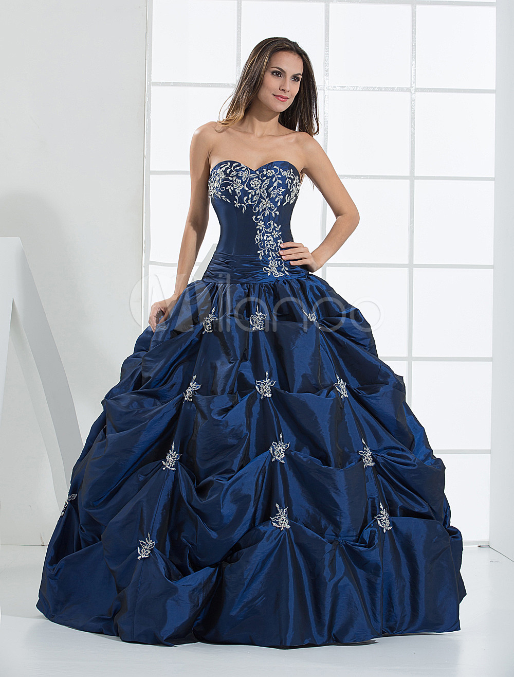 Blue Wedding Dress Satin Beading Vintage Strapless Sweetheart Floor-Length Bridal Gown
