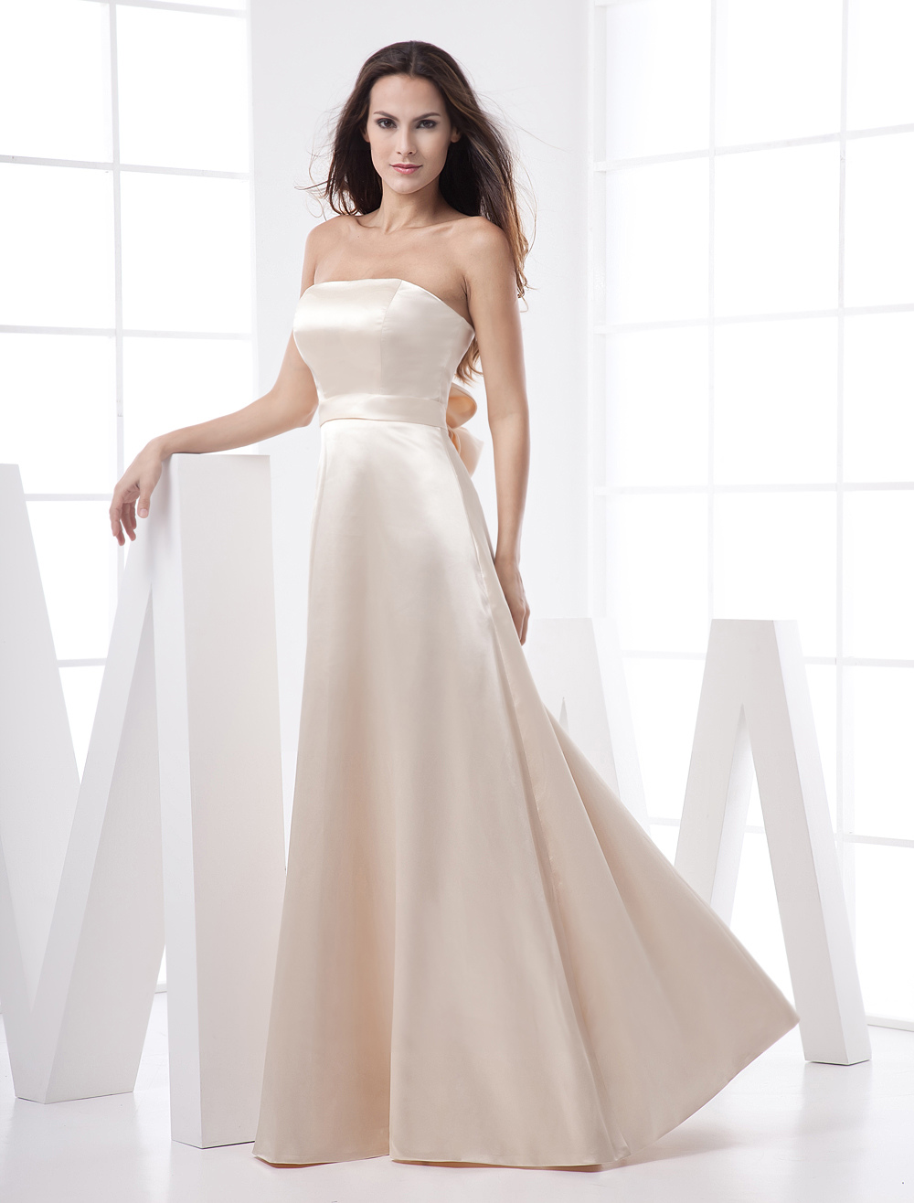 Classic Strapless Champagne Floor-Length A-line Evening Dress with Unique Bow at the Back