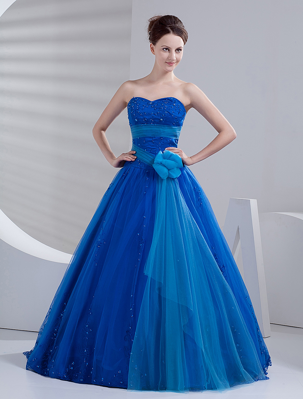 Elegant Ball Gown Royal Blue Tulle Quinceanera Dress