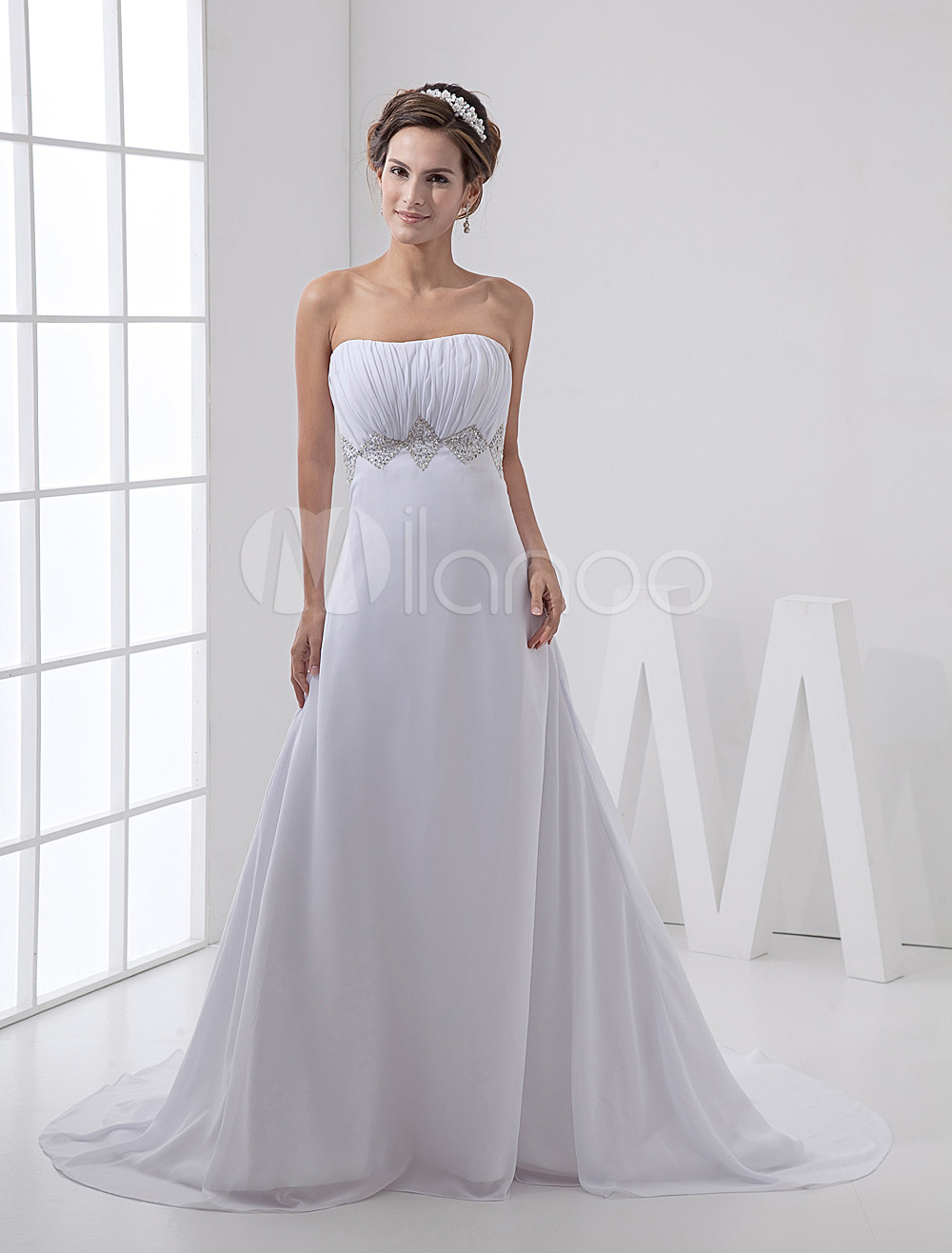 Exquisite White Satin And Chiffon Strapless Empire Waist Wedding Dress