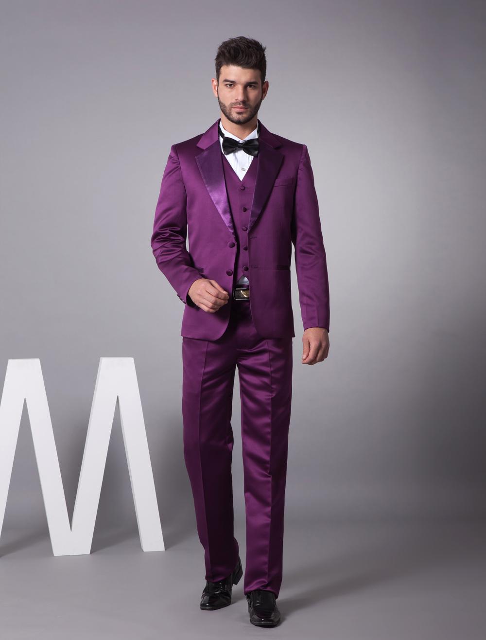 Elegante traje de novio de satén de color púrpura de estilo de ...