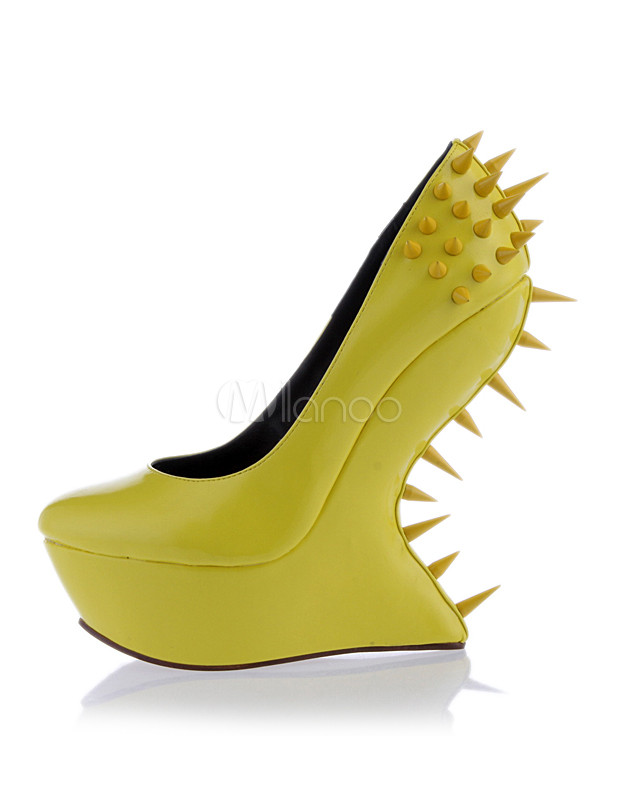 5953bd0bb3f5e9 Attraktive Damen Schuhe mit Ziernieten und Plateau ohne Absatz in Gelb-No.1  ...