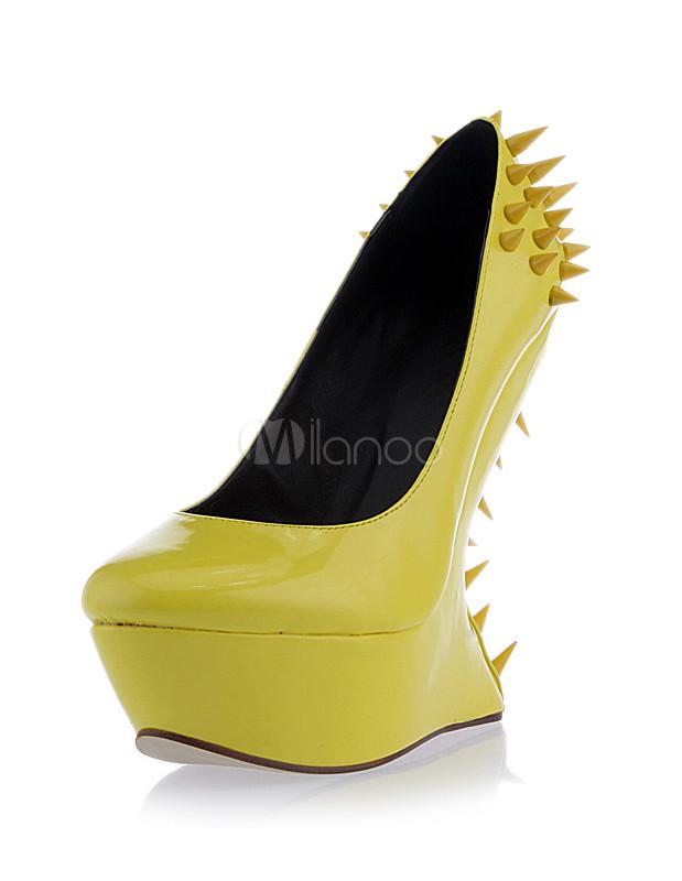 Attraktive Damen Schuhe Mit Ziernieten Und Plateau Ohne Absatz In