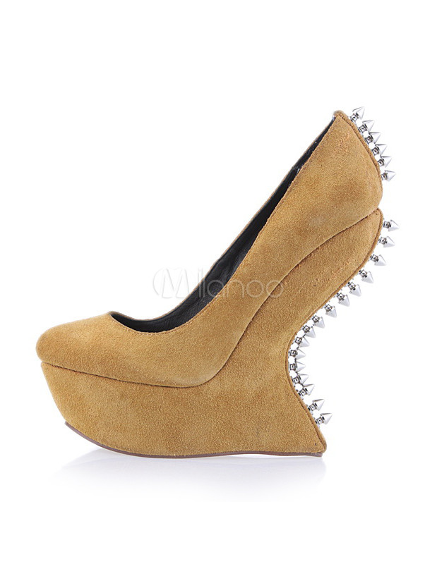 separation shoes 10843 dca3c Gelbe Damen Schuhe mit Plateau und Ziernieten ohne Absatz