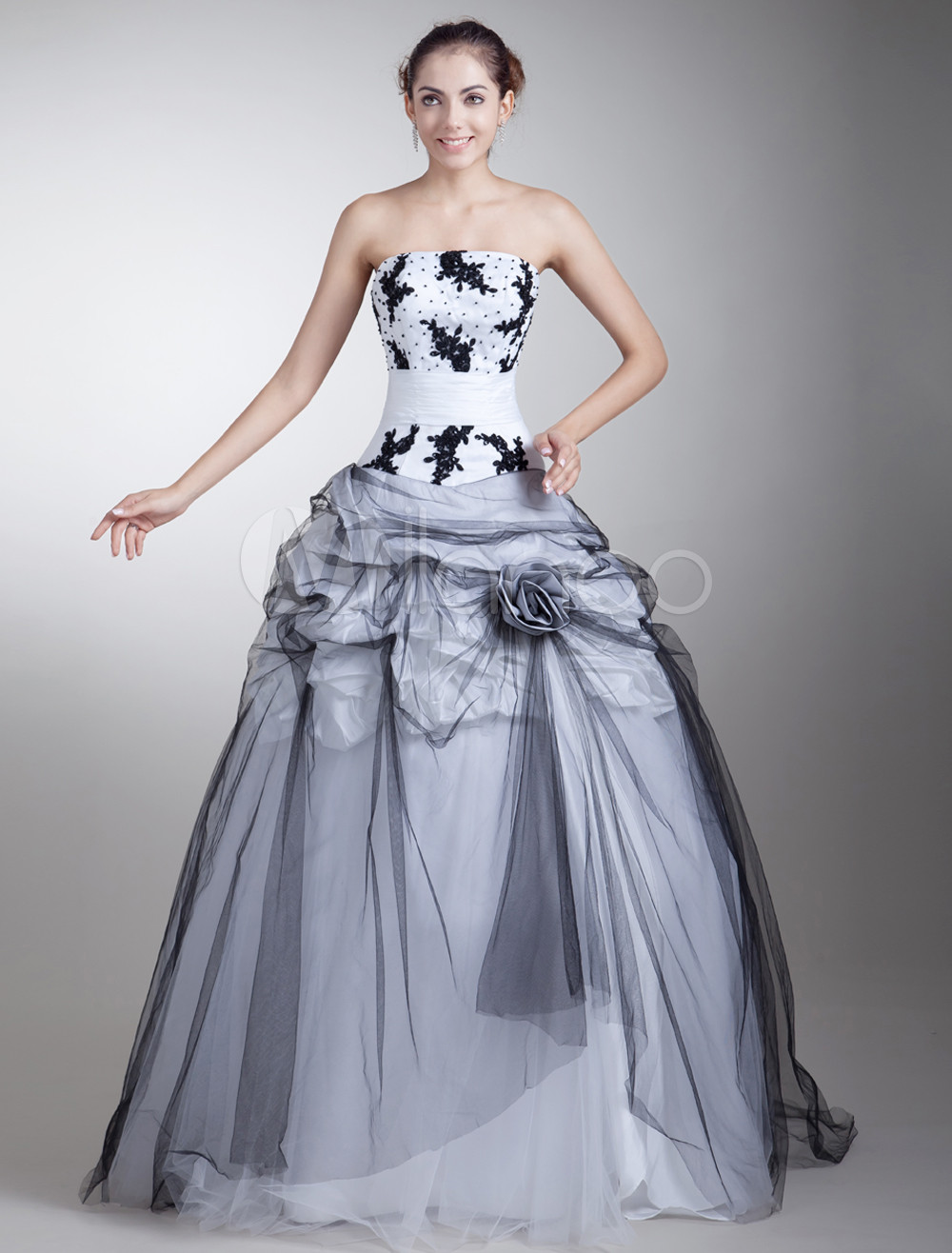 Black And White Wedding Dress Lace Applique Pick Up Floor Lenth Ball