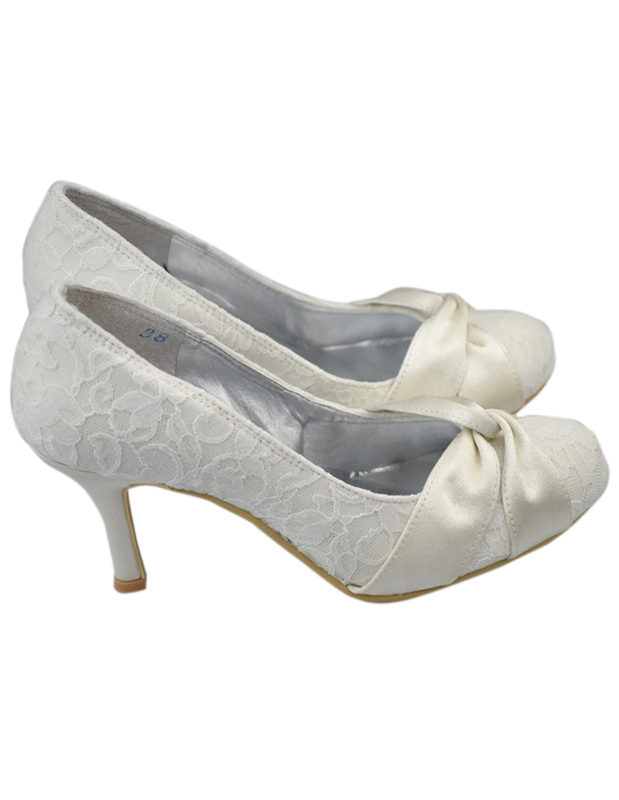 Fabulous Ivory Lace Round Toe Bridal Shoes No4