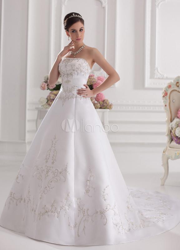 vestido de novia blanco de tafetán sin tirantes de cola larga