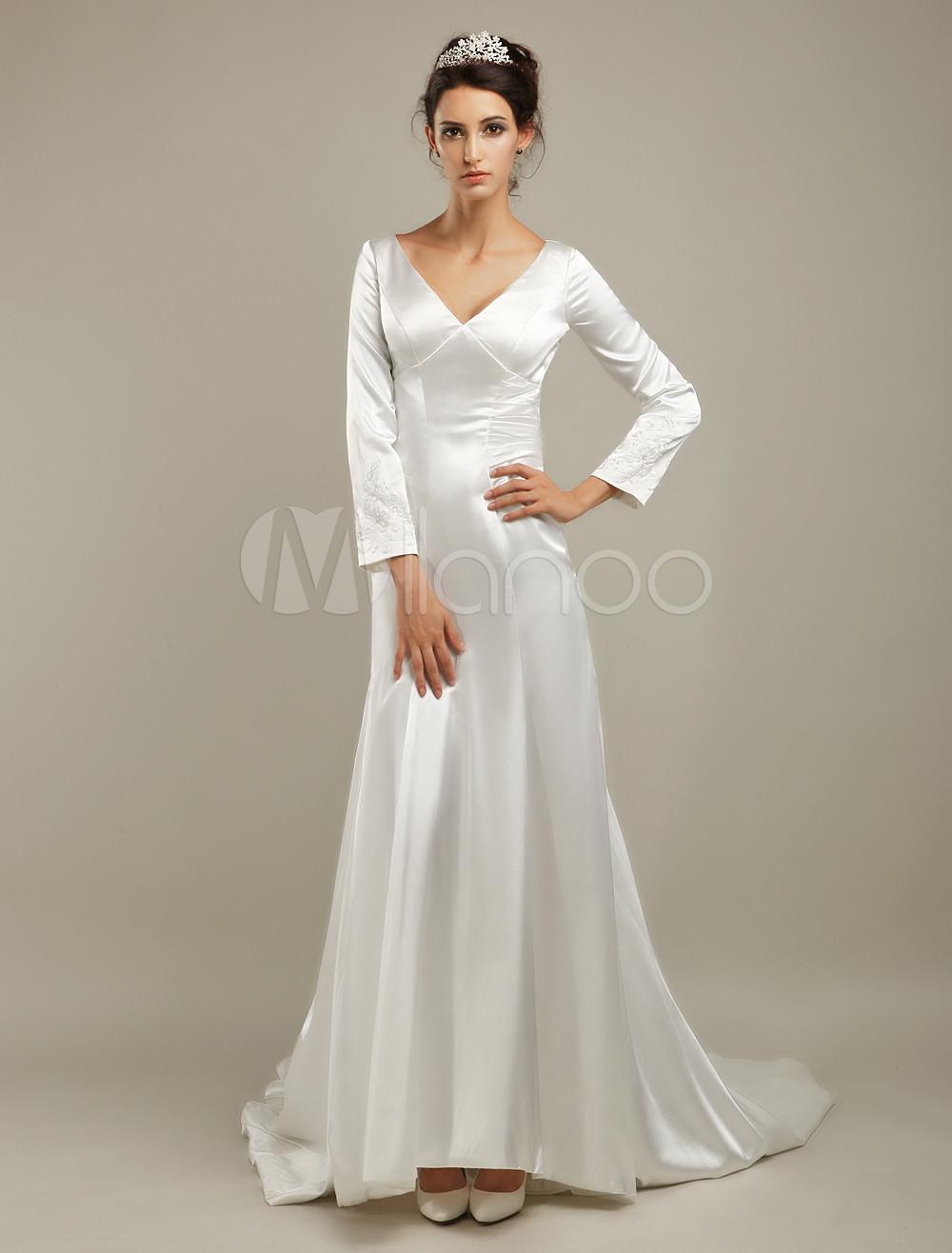 Court train ivory bridal wedding dress with v neck a line beading 30off junglespirit Images