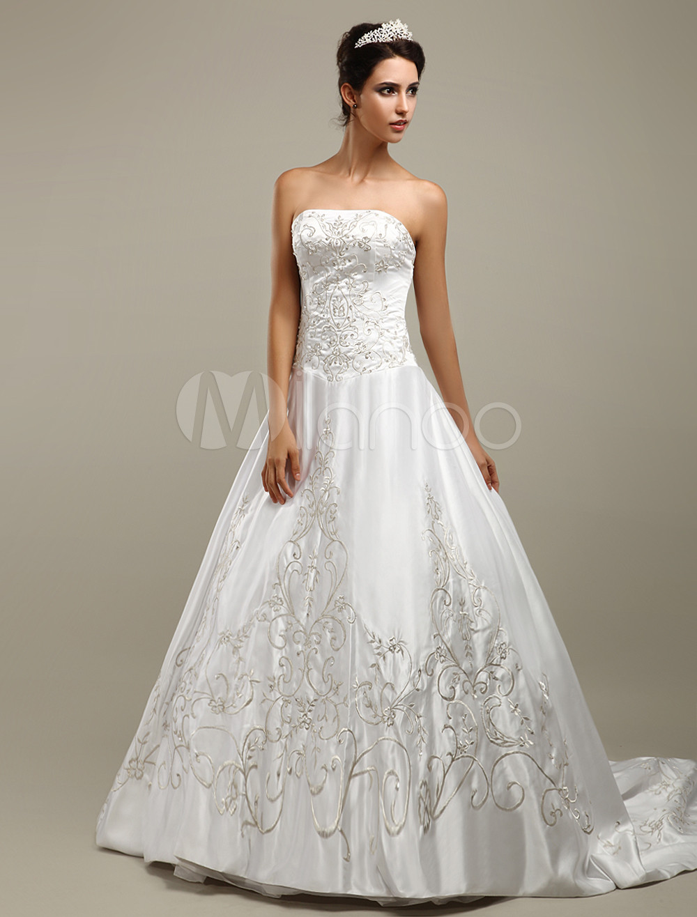 Wedding Dresses White A Line Strapless Beaded Embroidery Satin Bridal Gown With Train