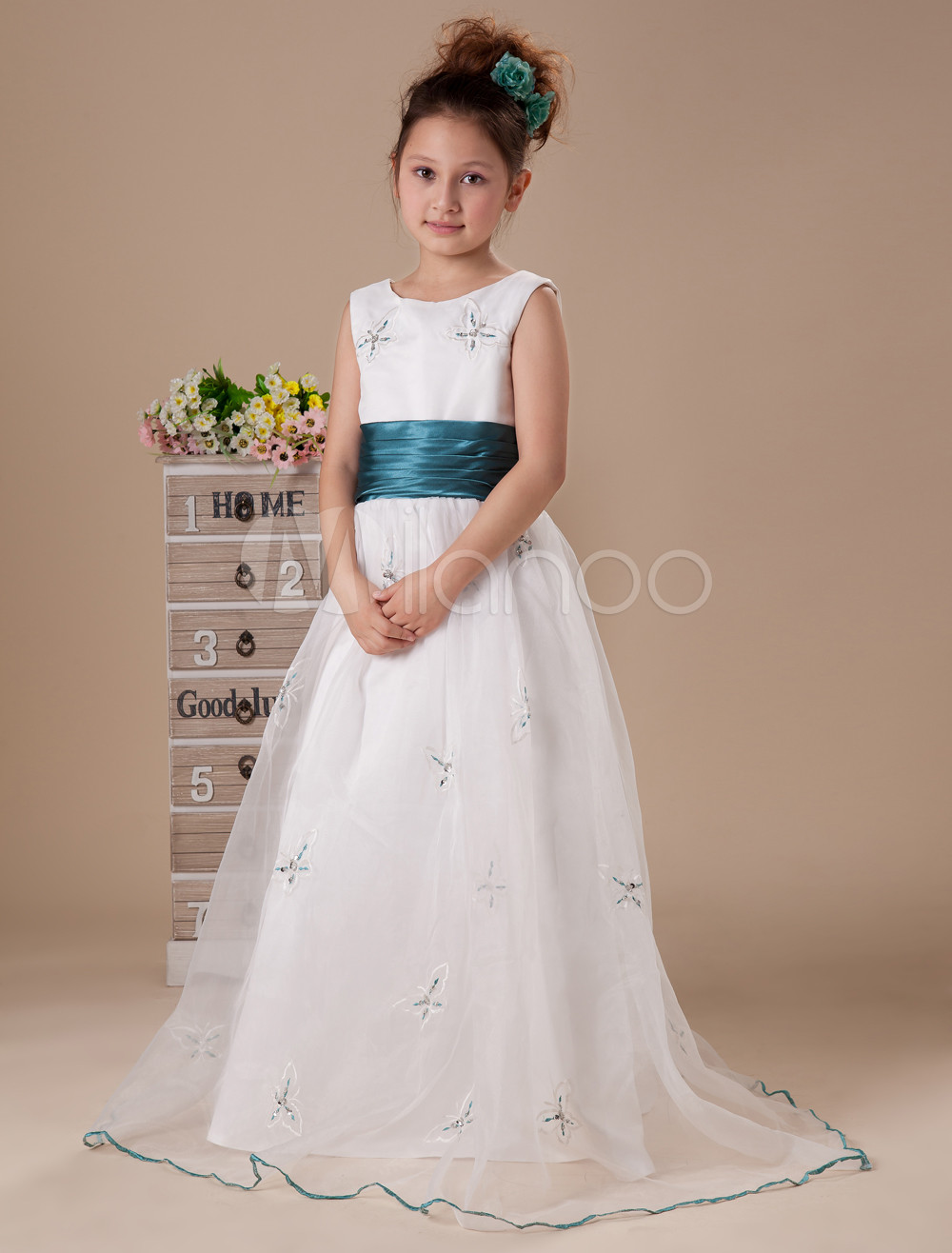 Likable White A-line Jewel Satin Floor Length Flower Girl Dress
