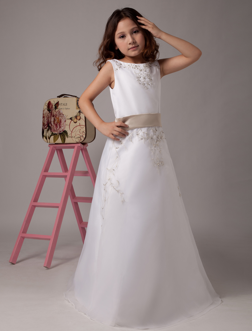 Flower Girl Dresses White Satin Organza Kids Party Dresses Sleeveless Sash Lace Beaded First Communion Dress