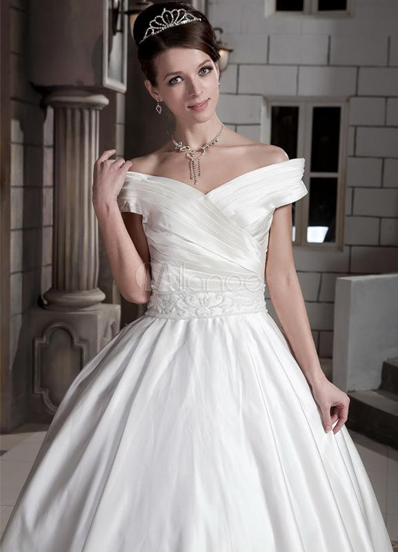 Robe de mariage a ligne en satin hors de l 39 paule manches for Off the shoulder satin wedding dress