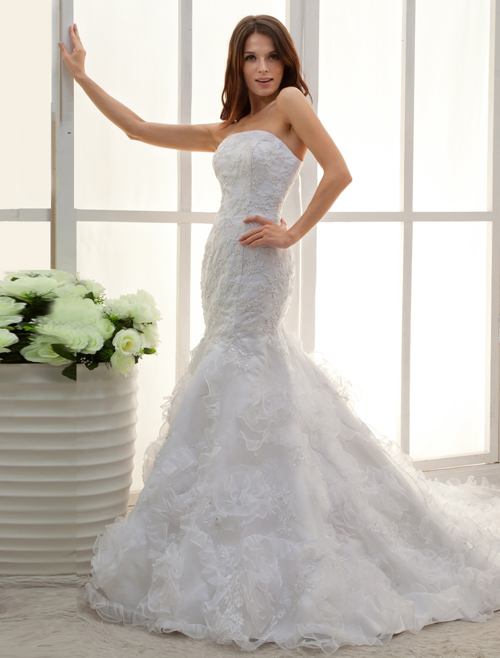 White Strapless Applique Lace Mermaid Trumpet Wedding Dress