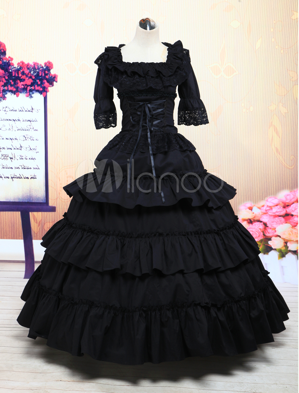 Fashion week Victorian black dress photo for lady