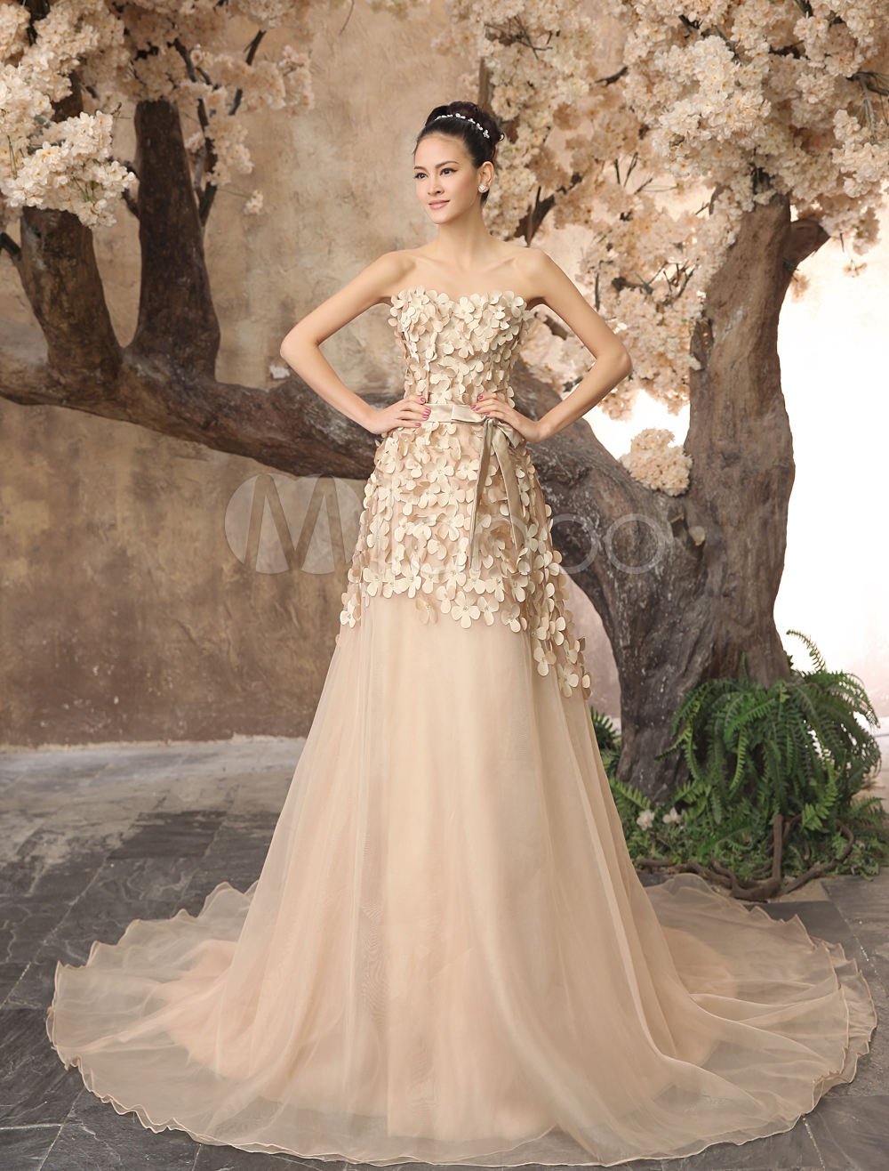 Hot 2014 Champagne Organza Sweetheart Train Wedding Dress