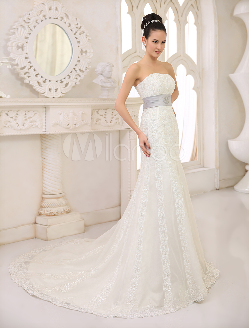 Court Train Ivory Wedding Dress For Bride with Strapless Sheath