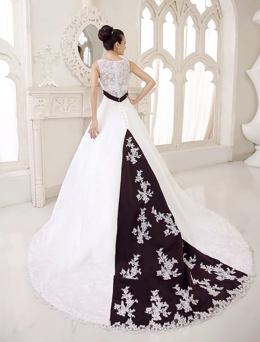 Court Train Wedding Dress For Bride with V-Neck
