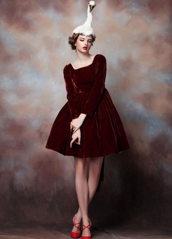 robe de soiree rouge bordeaux les tendances de la mode. Black Bedroom Furniture Sets. Home Design Ideas