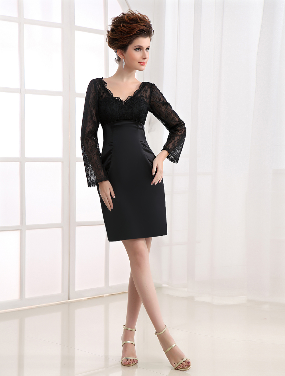 Black Long Sleeves Lace V-Neck Sheath Satin Cocktail Dress
