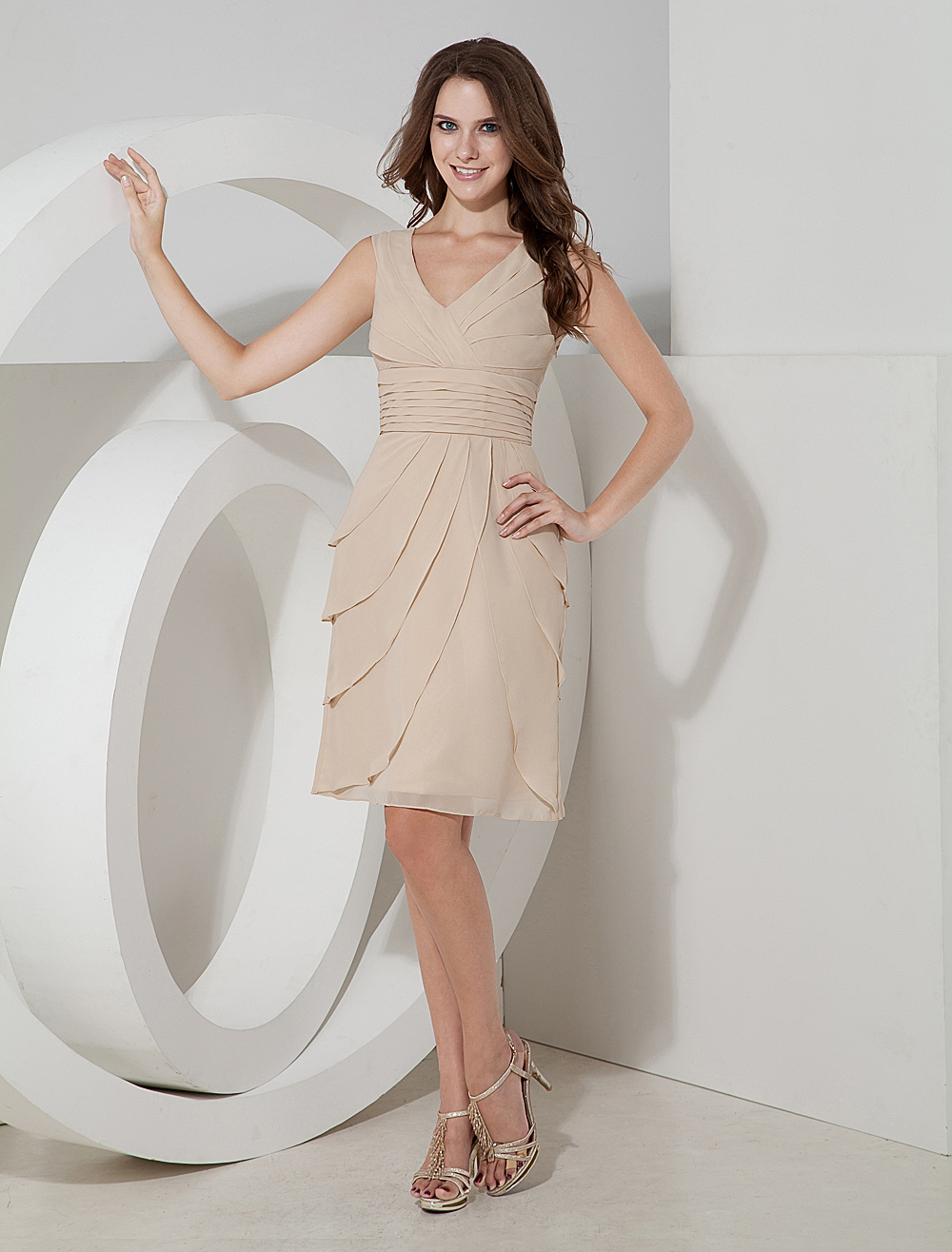 Buy Tiered V-Neck Chiffon Cocktail Dress Wedding Guest Dress for $107.09 in Milanoo store