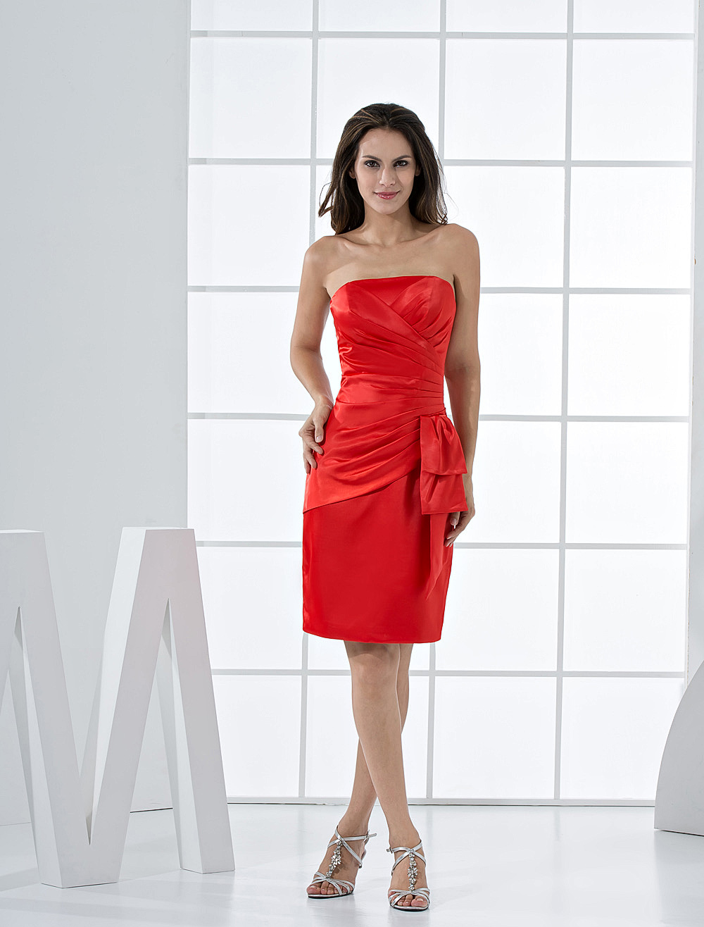 Buy Fabulous Knee Length Wrapped Strapless Satin Cocktail Homecoming Dress for $92.69 in Milanoo store