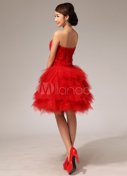 Robe de cocktail bustier rouge