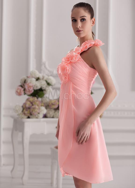 Vestido de damas de color rosa de gasa de línea A con un solo hombro ...