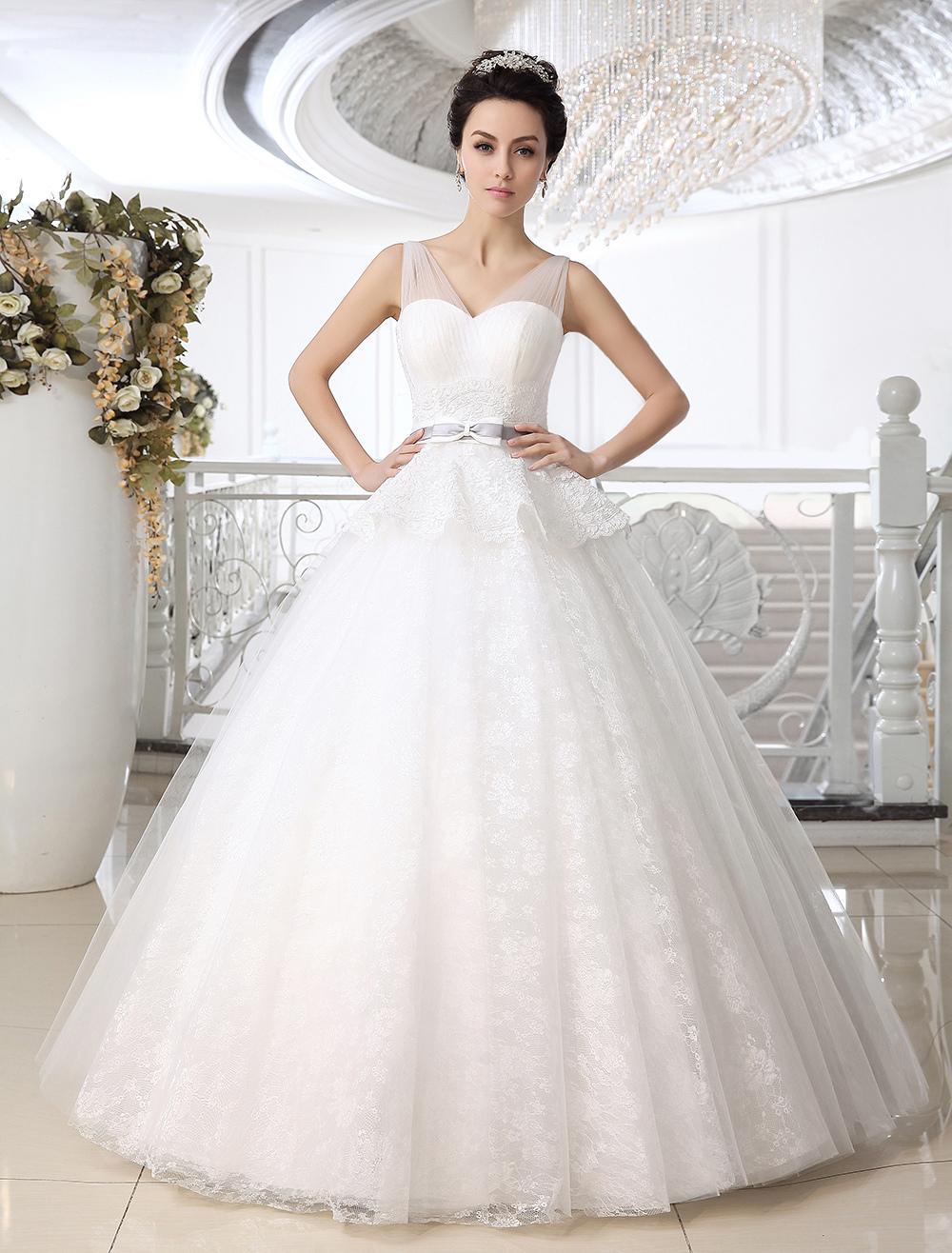 Fantastisches Ball Gown Brautkleid mit V-Ausschnitt und Schößchen in ...