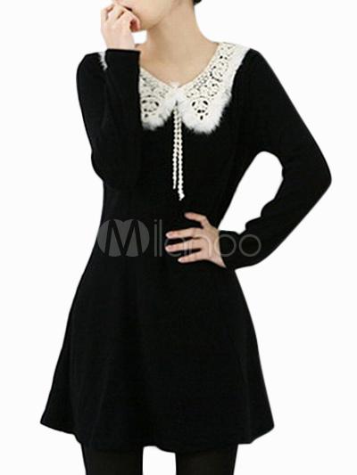Schwarzes kleid mit bubikragen