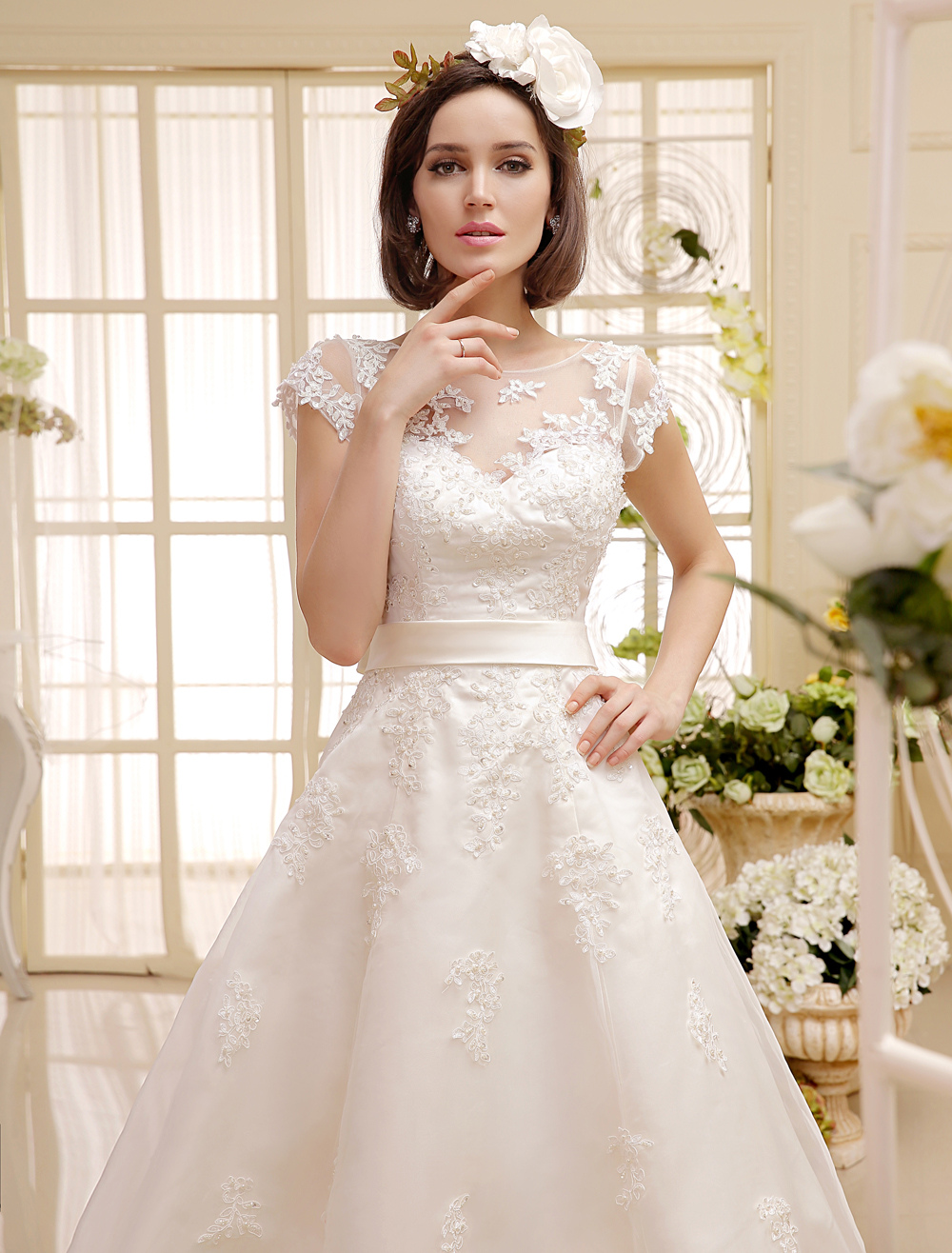 Kurze Brautkleider 2018 Elfenbein Spitze Applique Vintage Brautkleid ...