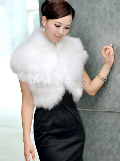 White Short Sleeves Artificial Goat Hair Womens Fur Jackets ...
