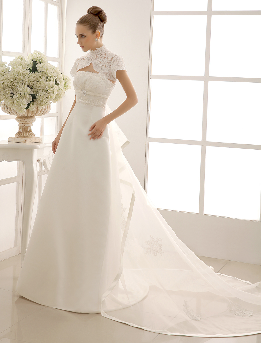 High-waisted Panel Train Wedding Dress With Lace Milanoo