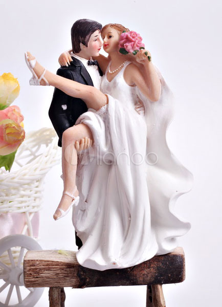 Nice Classic Traditional Figurine Classic Couple Wedding Cake Topper